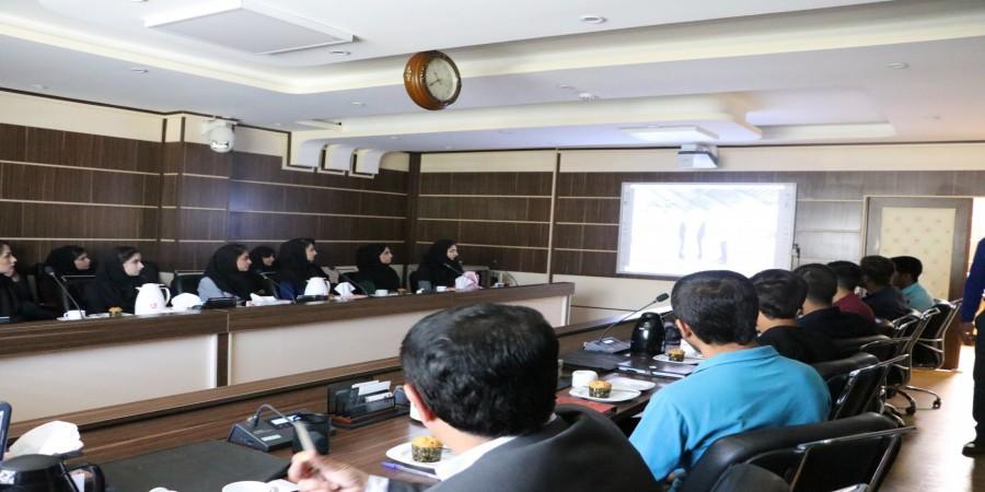 بازدید دبیران انجمن های علمی دانشگاه یاسوج از پارک علم و فناوری